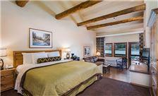 Lakefront Spa Suite