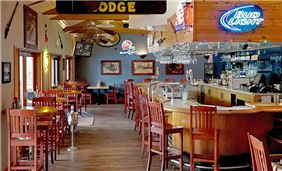 Ducey's Bar and Grill at The Pines Resort