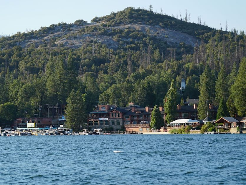 Benefits of off-site Retreats in Pines Resort Bass Lake, California