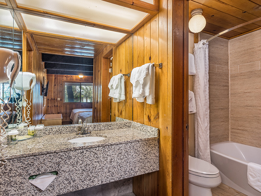 The Pines Resort, California Executive (Conference) Chalet with 2 Queen Beds