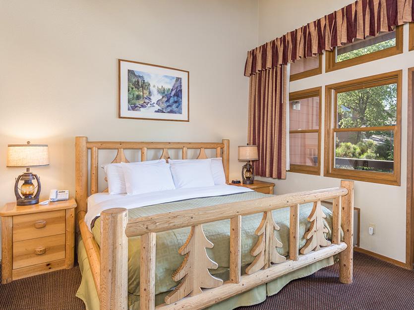 The Pines Resort, California Executive Honeymoon Suite