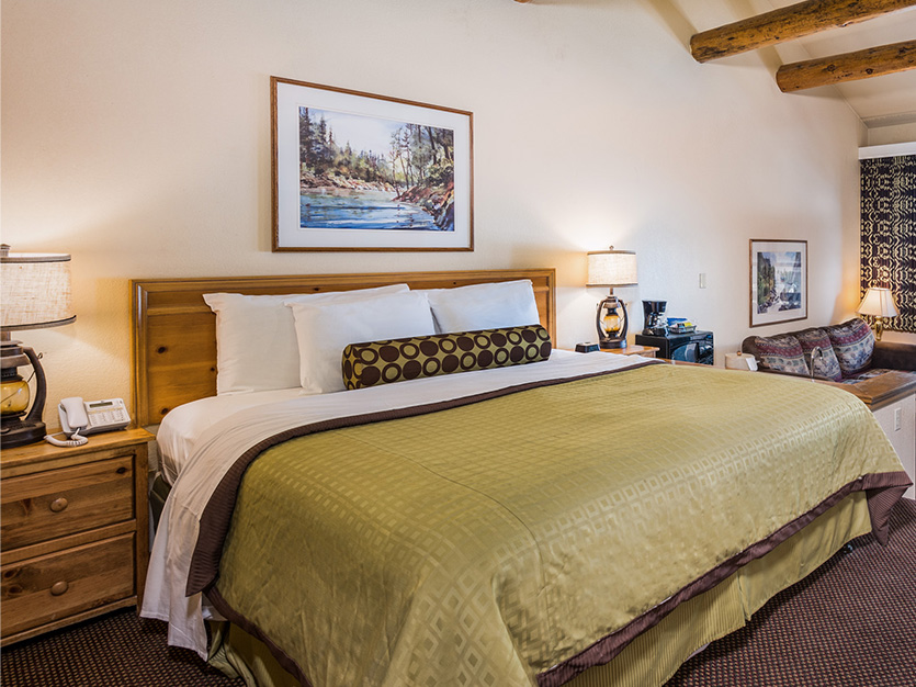 The Pines Resort, California Lakefront Spa Suite