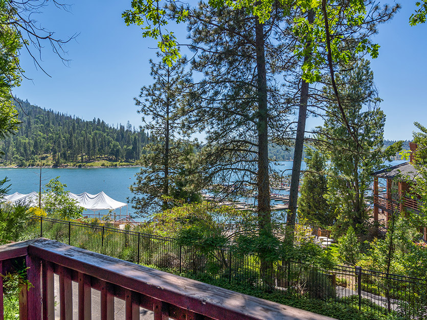 he Pines Resort, California Lakeview 2 Queen Bed Chalet